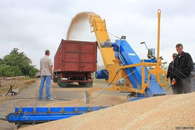 Incarcator-Aruncator de cereale